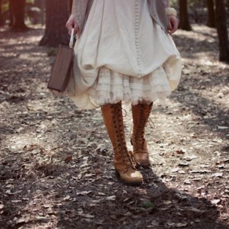 vintage-1960s-lace-up-boots
